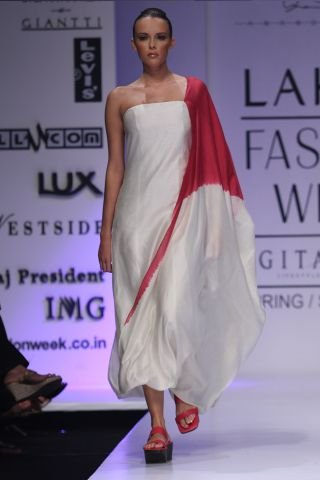 Fashion Week By Designer Anand Kabra Party Wear (4)