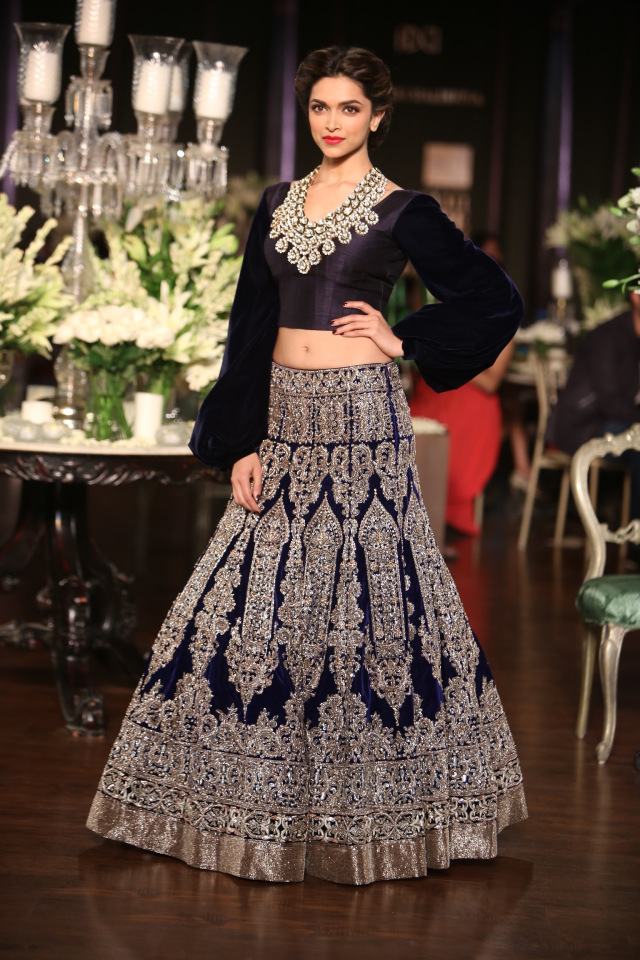 Manish Malhotra collection at the PCJ Delhi Couture week 2013 2