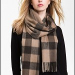 how to tie winter scarf 3