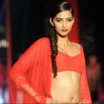 sonam kapoor inManish Malhotra The CPAA Show (5)